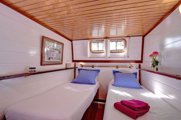 Athos Twin Cabin1