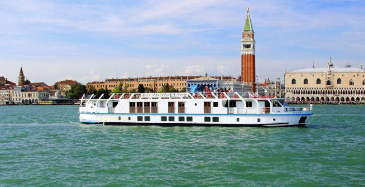 Italian river cruises featuring La Bella Vita