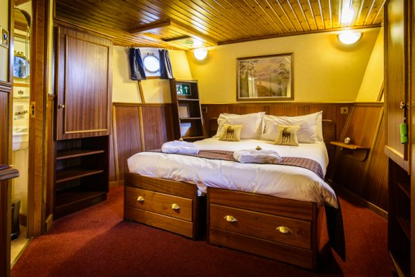 Scottish Highlander Double Cabin
